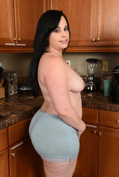 Толстая жена стала раком на кухне 10 фото