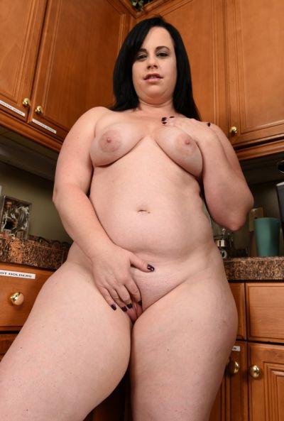 Толстая жена стала раком на кухне 16 фото