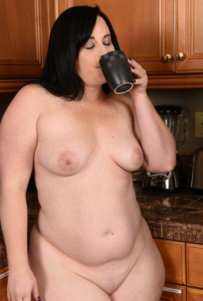 Толстая жена стала раком на кухне 7 фото