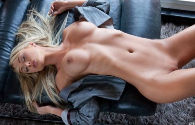 Красивая модель Sara Jean Underwood 12 фото