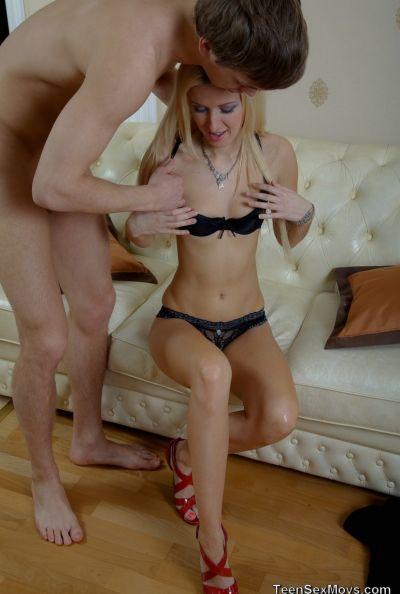 Русская пьяная парочка занимается бурным сексом 7 фото