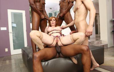 Четверо негров толпой трахают сексуальную рыжую милфу 16 фото
