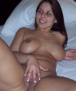 Сексуальная жена Лекси с большими сиськами и сочной жопой