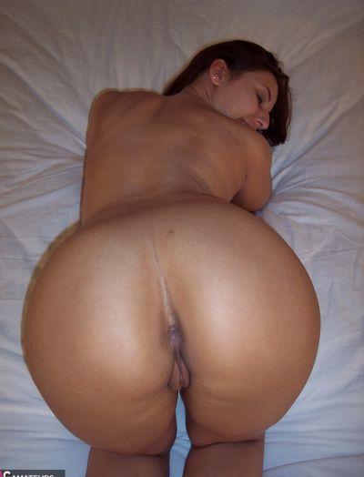 Сексуальная жена Лекси с большими сиськами и сочной жопой 13 фото