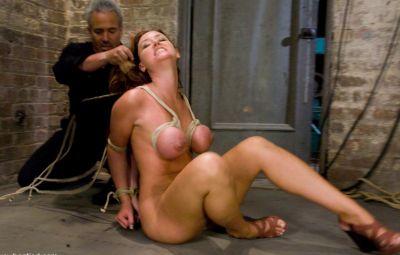 Женщину пытают оргазмом 16 фото