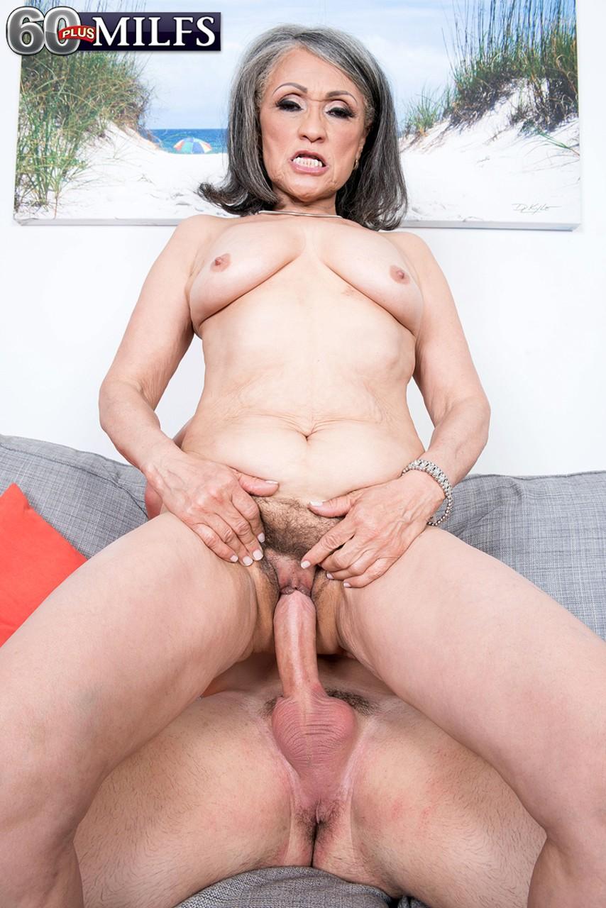 Пожилая азиатка молодой хотела