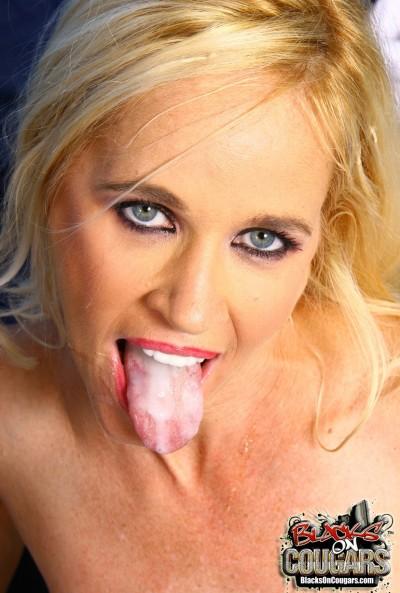 Негр жестко трахнул зрелую блондинку 20 фото