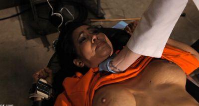 Врач изучает сексуальное напряжение пациентки 11 фото