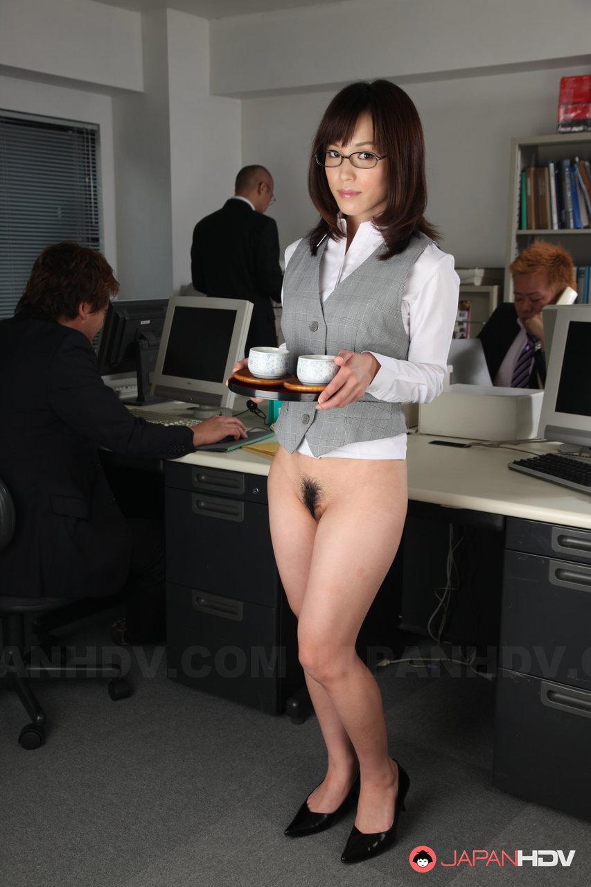 Голая Гдето В Офисе